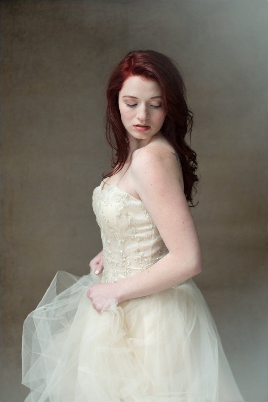 Portrait in Tulle Gown 3 © 2015 Maundy Mitchell_0005.jpg