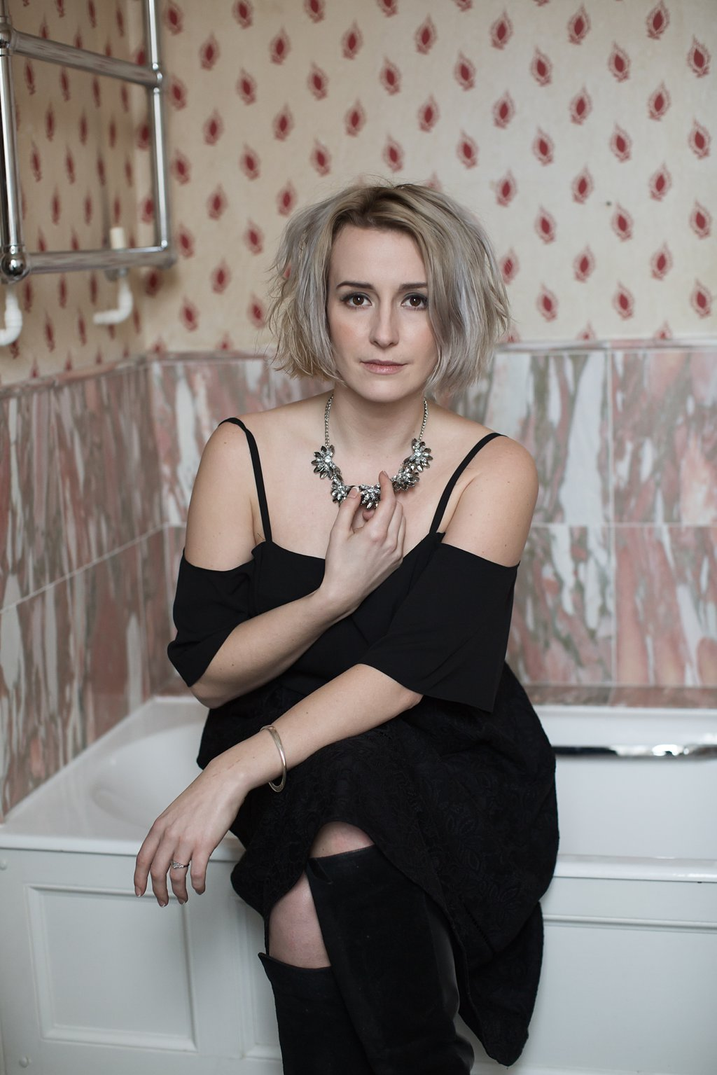 Fashion-style Portrait of Rogan on Bath Tub_0006.jpg