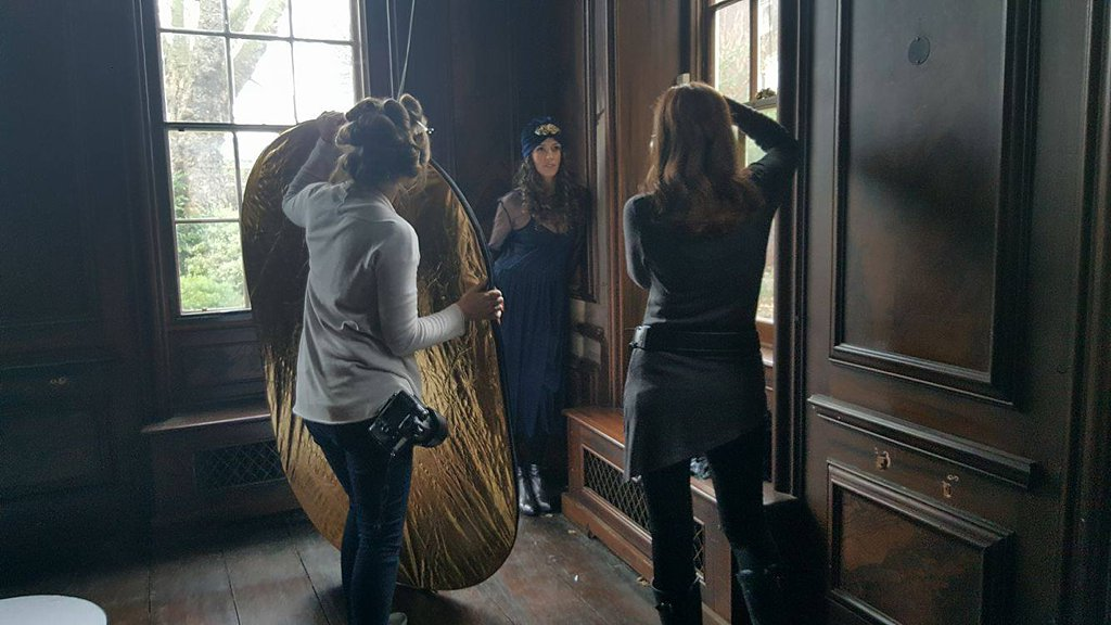 Behind the Scenes - Destination London - Maundy Mitchell Photography_0002.jpg