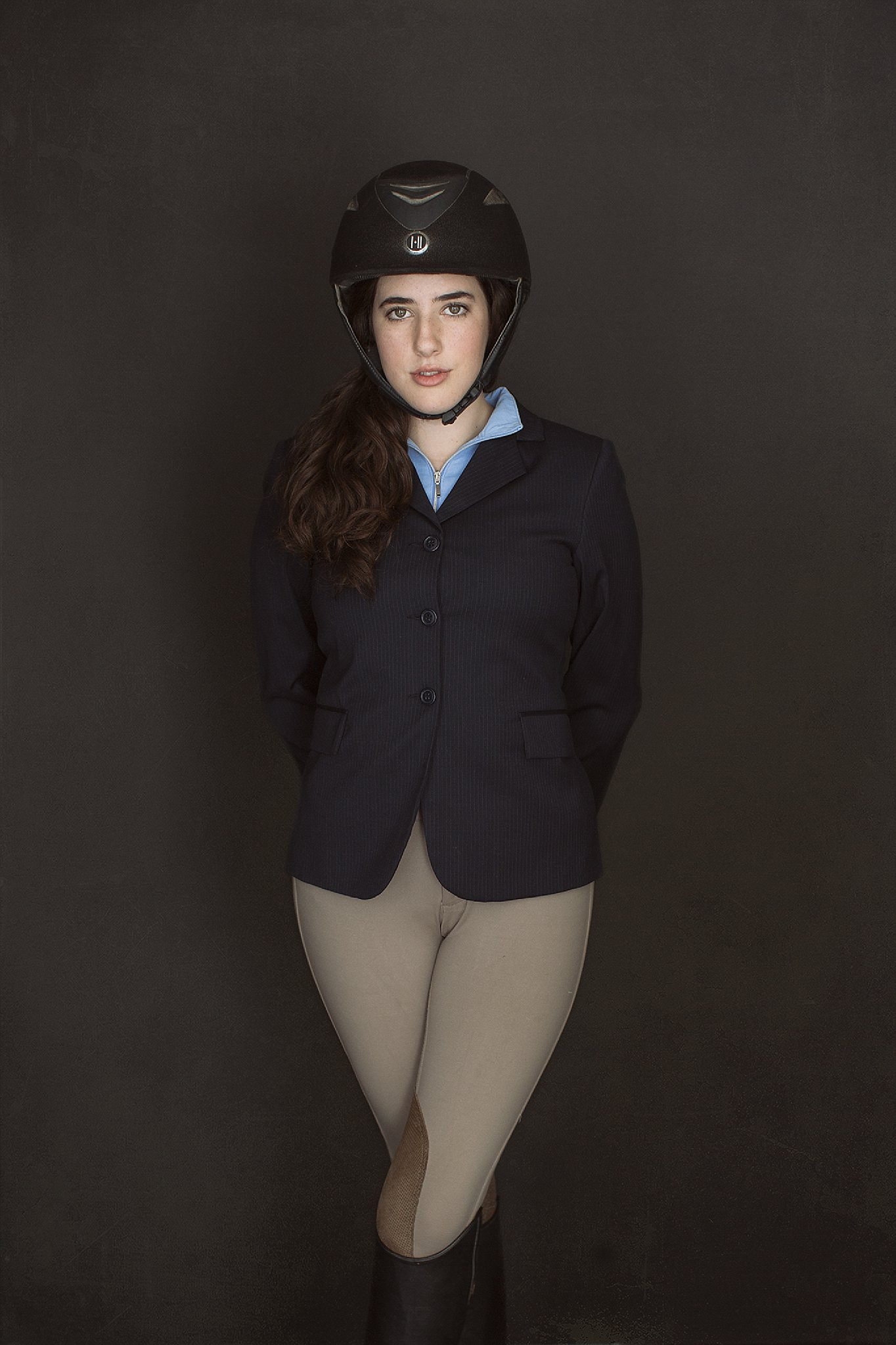 Mairead in Riding Outfit_0006.jpg