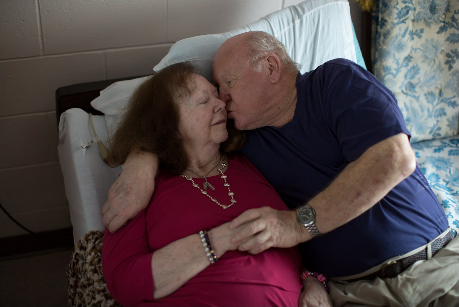 Elderly Couple Kissing (C) Maundy Mitchell