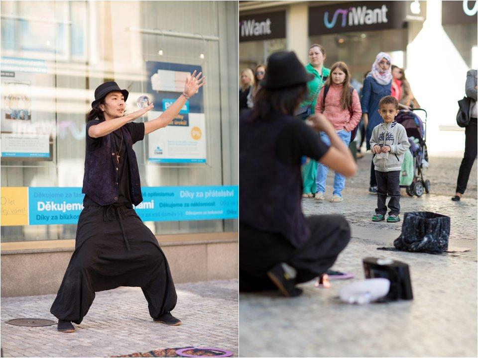 Street Performer in Prague (C) Maundy Mitchell