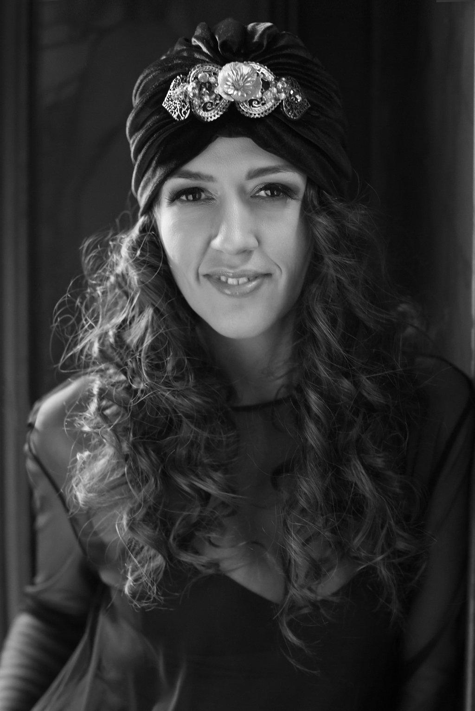 Black & White Portrait of Oli in 1920s-Style Turban_0009.jpg