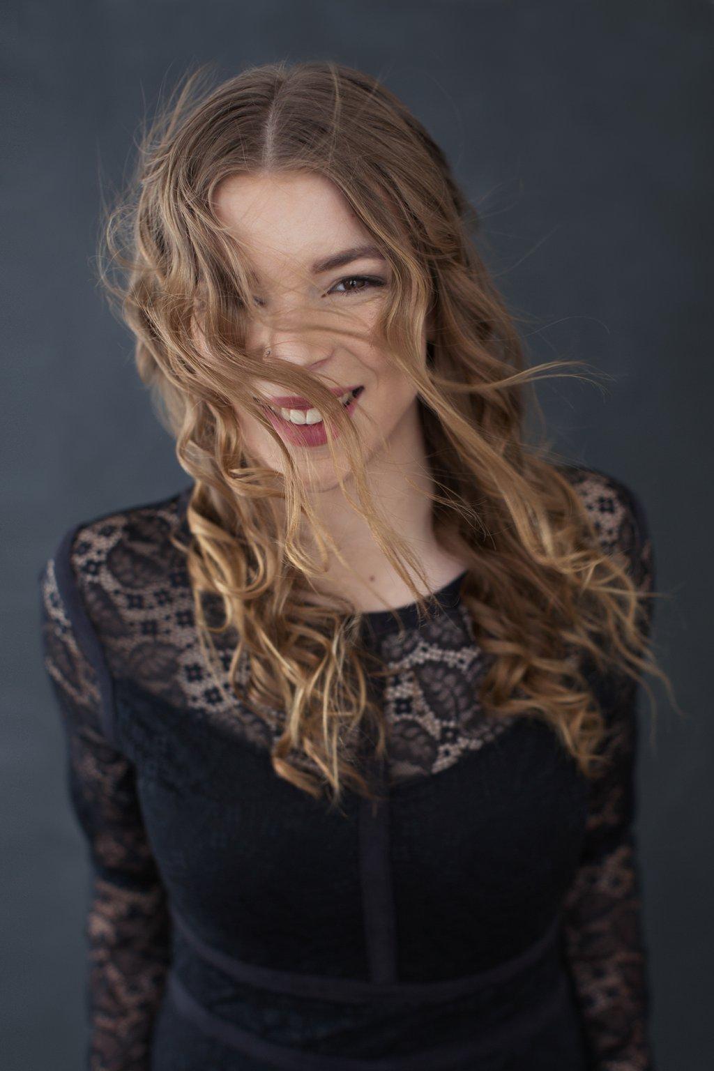 Portrait of Erin with Wind-Blown Hair_0004.jpg