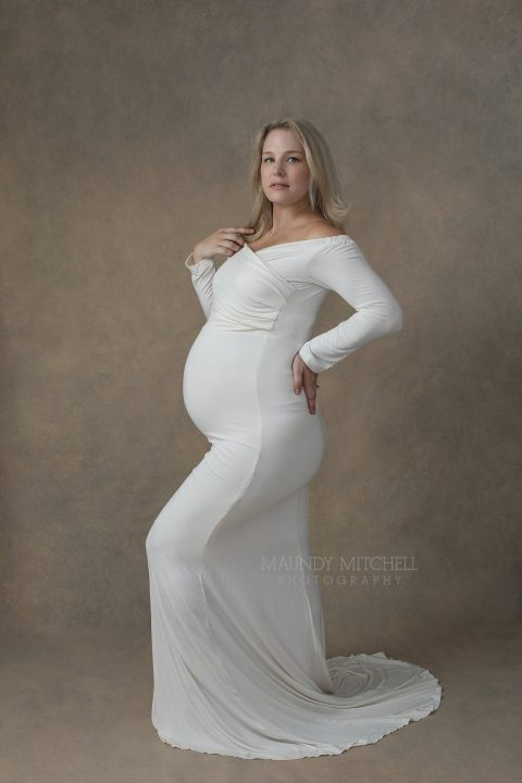 Maternity photo - Sarah in white dress